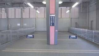 日中は閉鎖されている阪急宝塚駅1・2号線ホーム