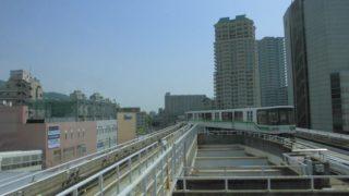 住吉駅[神戸新交通](神戸市東灘区)~眼下に見下ろすJR線と新交通システム独特の渡り線が堪能できるホームからの絶景が魅力の六甲ライナー起点駅~