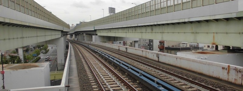 弁天町駅[大阪地下鉄](大阪市港区)~JR駅の高架のさらに上層に位置し、地表面から高さでは日本最高位にある地下鉄の駅~